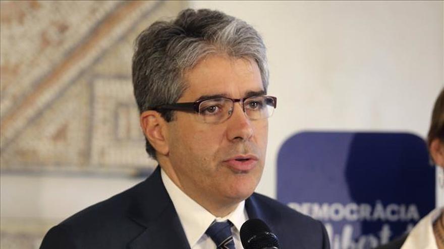 """Homs se desmarca de los """"actos de cinismo"""" de las reformas constitucionales"""