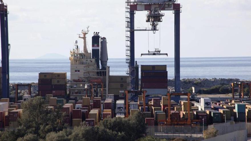 Navío estadounidense viaja al Mediterráneo para destruir las armas químicas sirias