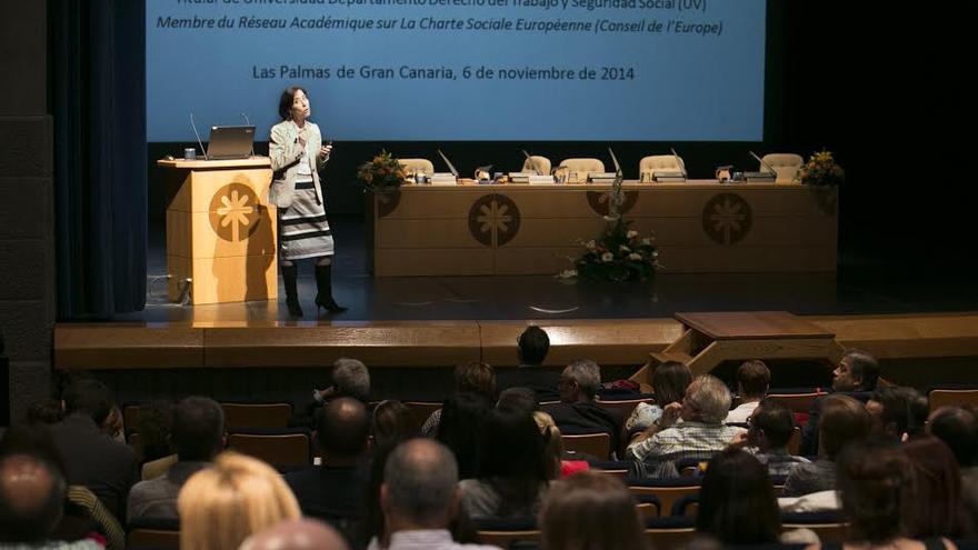 Carmen Salcedo, profesora titular del Departamento de Derecho del Trabajo y de la Seguridad Social de la Universidad de Valencia