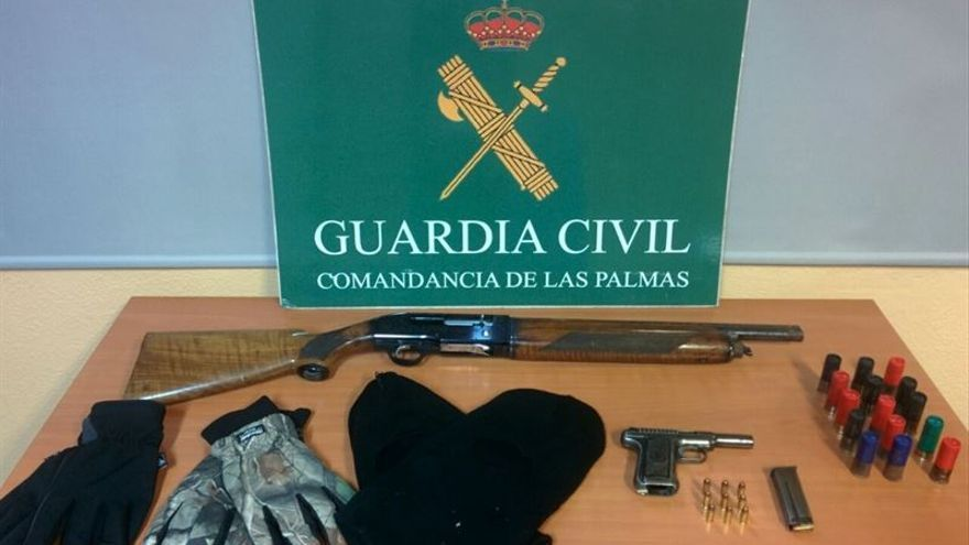 Material incautado por la Guardia Civil.