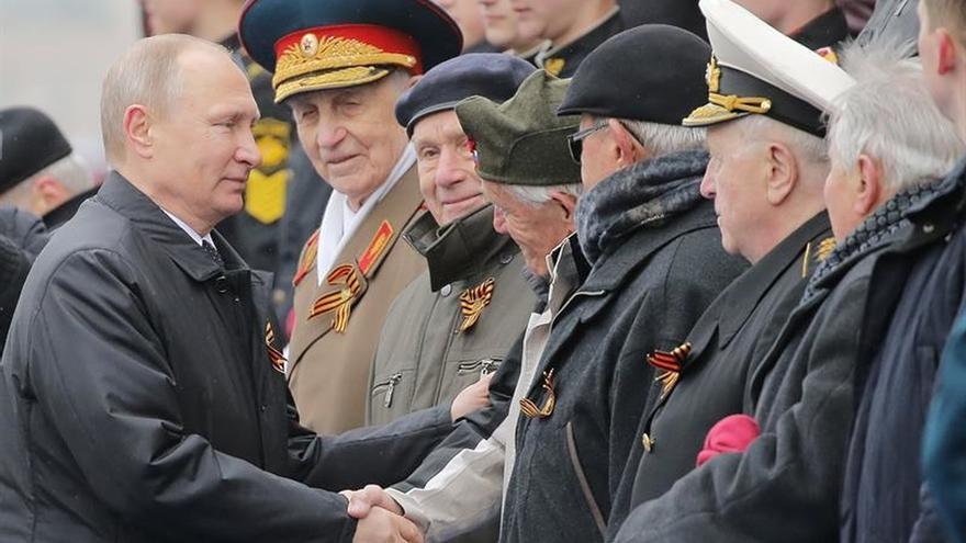 Putin pide unidad mundial para luchar contra el terrorismo en el Día de la Victoria