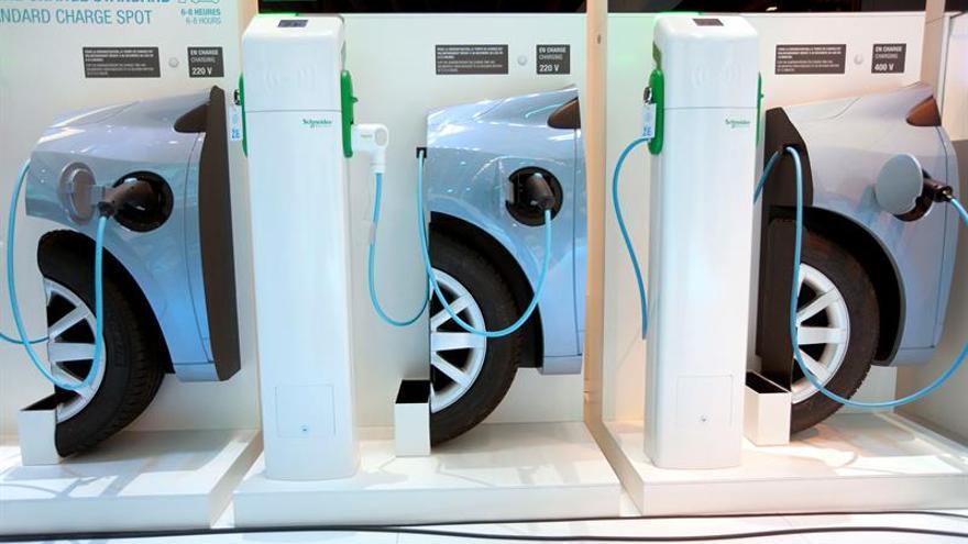 Cuatro países concentran el 76 % de los puntos de recarga para coches eléctricos en la UE
