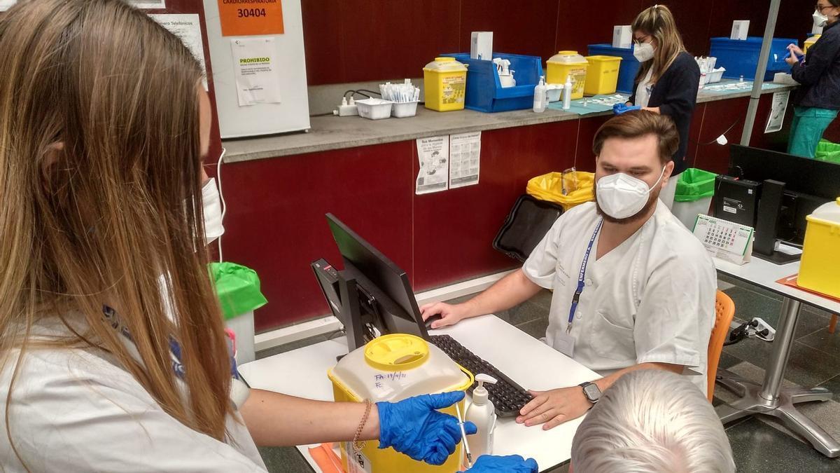 Sanitarios de la campaña de vacunación del Gobierno de Canarias.
