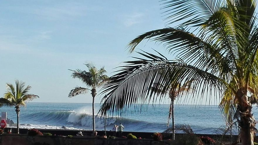 Panorámica de la playa del Puerto de Tazacorte, este martes.