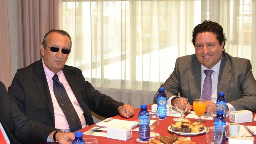 El expresidente provincial, Carlos Fabra, junto a su sucesor, Javier Moliner