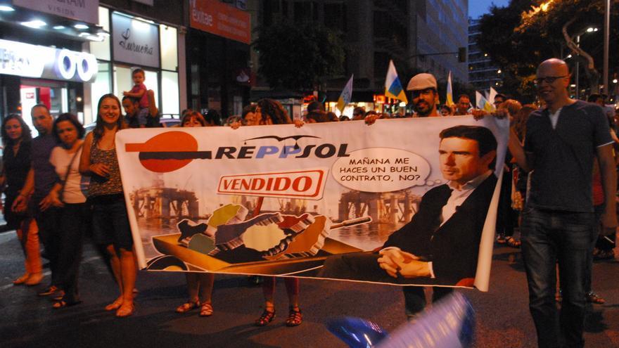 Manifestación contra las prospecciones y Repsol en Las Palmas de Gran Canaria.