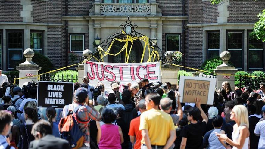 Obama: las muertes de negros a manos de policías es síntoma de retos mayores