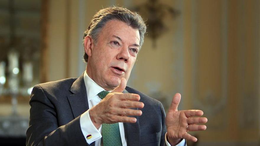 """Santos dice que la Constitución de 1991 """"ganó la batalla de la paz"""""""