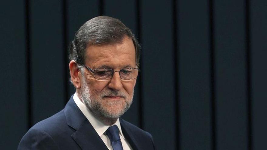Rajoy traslada a Corbyn sus condolencias por el asesinato de Jo Cox