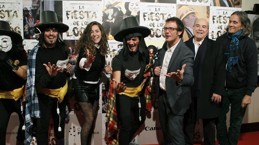 """El carnaval callejero de Cádiz se muda al cine en """"La fiesta de los locos"""""""