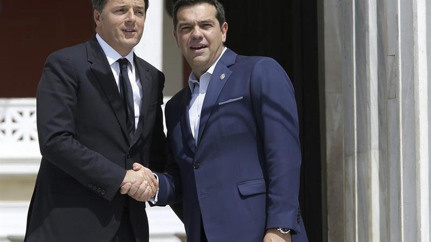"""Tsipras destaca vínculos """"más allá de las crisis"""" entre países mediterráneos"""