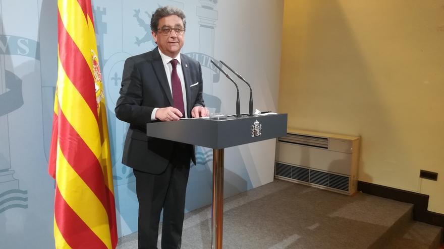 """El Gobierno justifica el cese de Colomines y Borrell por """"situarse al margen de la ley"""""""