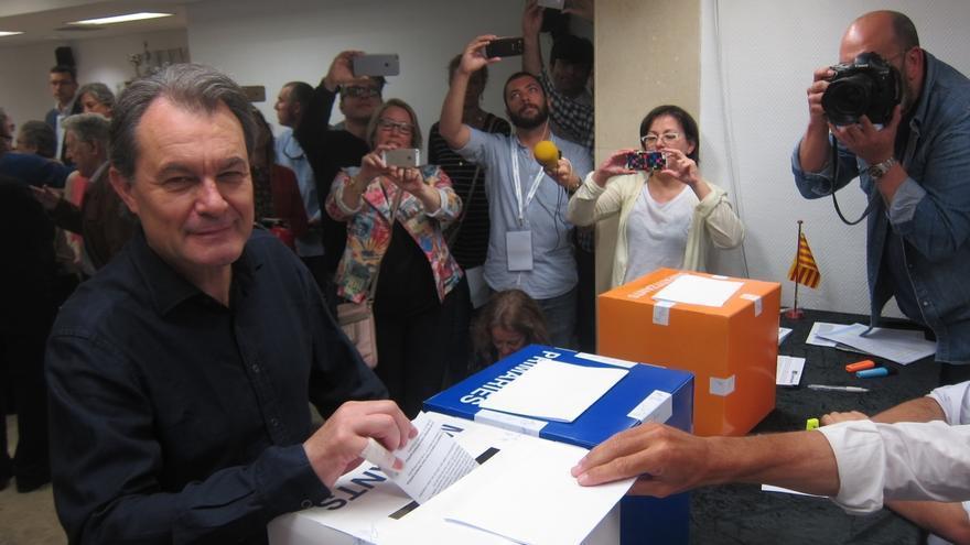 """Mas defiende la necesidad que CDC mire al futuro para volver a """"vertebrar"""" la política catalana"""