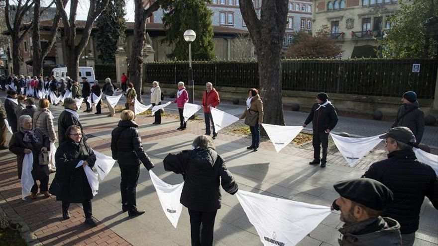 Etxerat reclama el fin de la dispersión de los presos de ETA