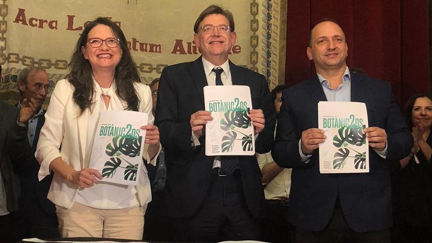 Mónica Oltra, Ximo Puig y Rubén Martínez Dalmau en Alicante con el nuevo acuerdo del Botànic