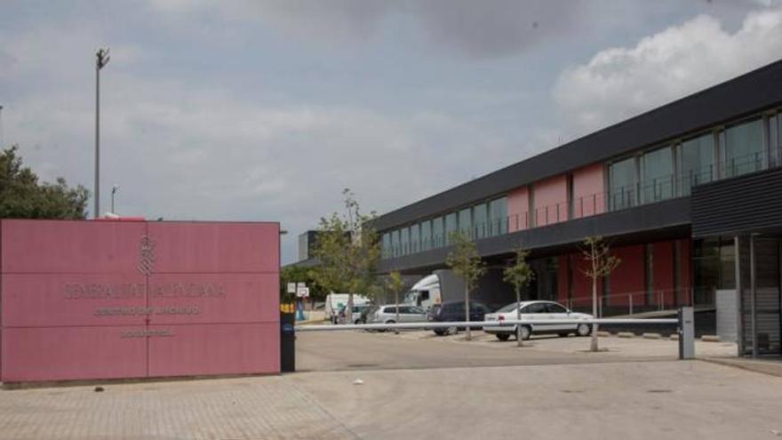 El centro logístico de la Generalitat en Riba-roja