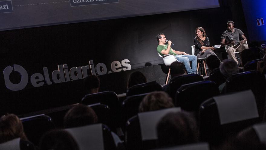 Wasim y Yoro cuentan en la presentación de 'El gran fracaso' su experiencia como migrantes en España tras huir de sus países | FOTO: Pablo Tosco