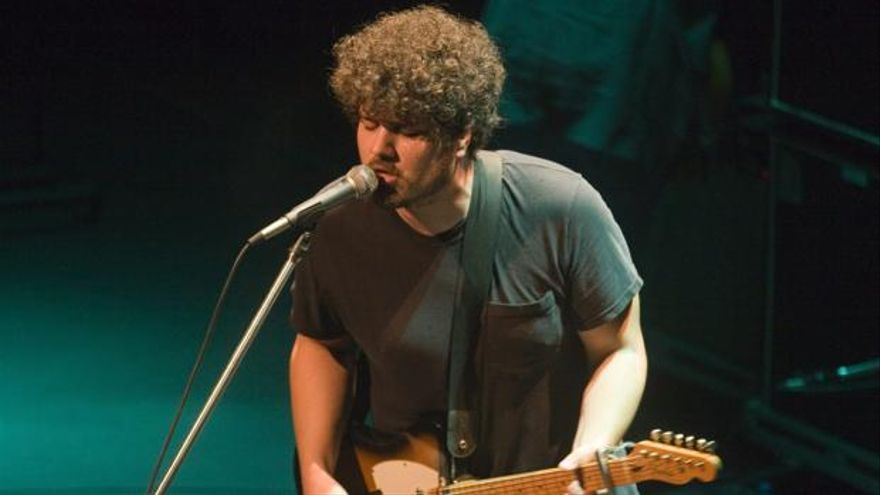 Richard Swift, durante un concierto