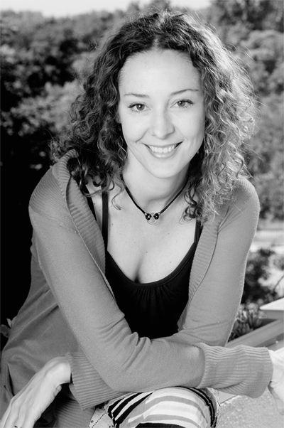 La escritora y periodista Patricia Fernández | Fotografía. Neverland Ediciones