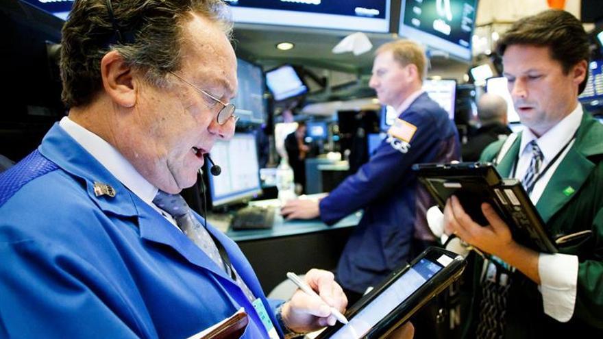 Wall Street abre al alza pero media hora después el Dow Jones baja un 0,22 %