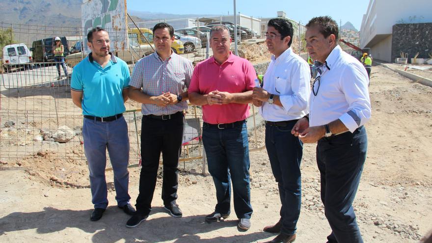 Tres alcaldes y dos concejales socialistas del Sur de Tenerife participaron en la rueda de prensa.