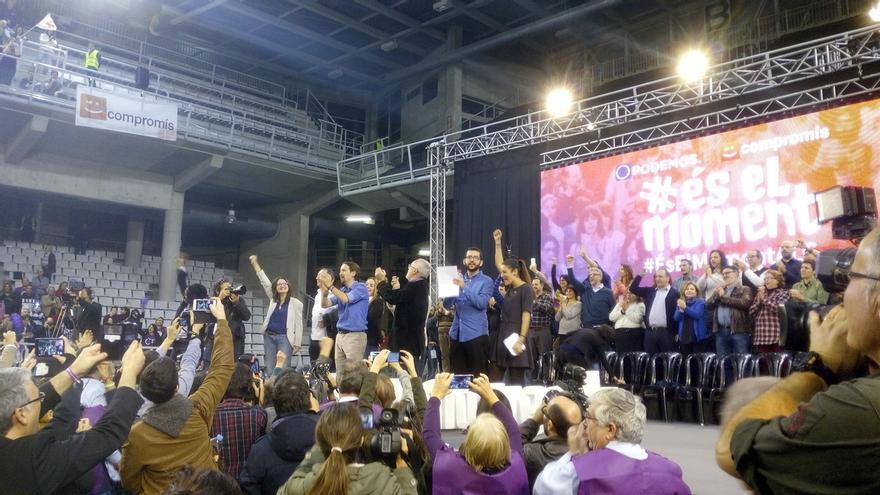 """Iglesias presume de la """"experiencia"""" de los """"gobiernos del cambio"""" y avisa a Rajoy: """"Gobernamos mejor"""""""