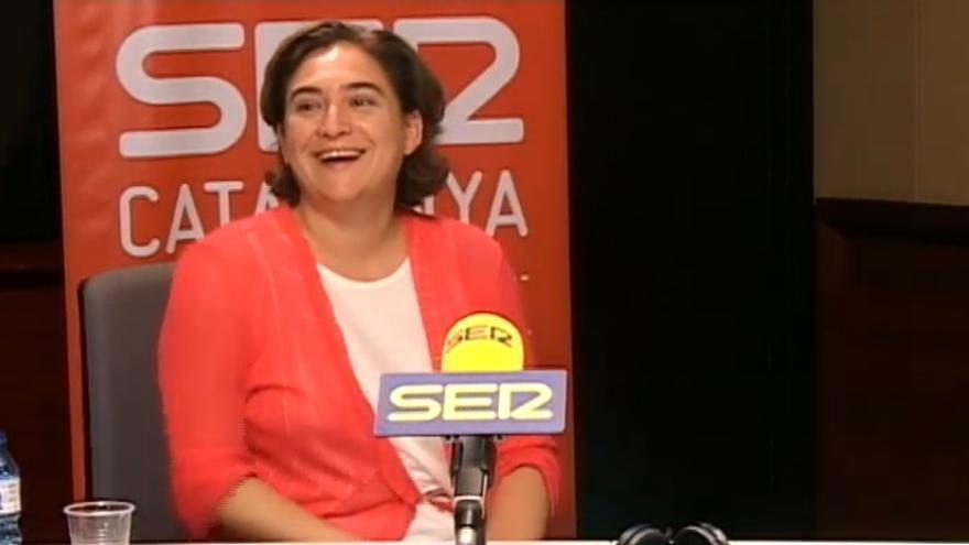Ada Colau durante la entrevista en la Cadena Ser