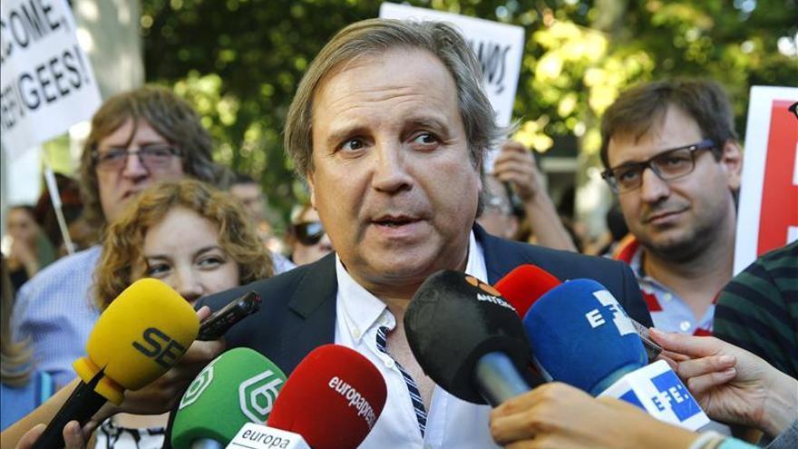 """Carmona: Podemos """"poco tiene que hacer con el PSOE"""" por su """"chantaje"""" al país"""