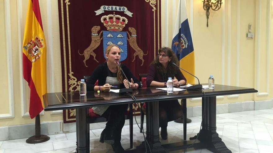 Noemí Santana y Concepción Monzón, diputadas de Podemos en el Parlamento de Canarias