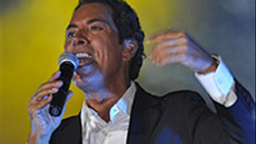 José Vélez, en plena actuación en La Naval, este pasado sábado.
