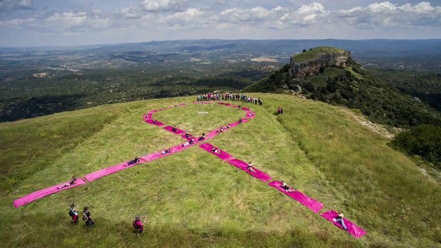 Lazo rosa por cáncer de mama en el journey to the alcarria