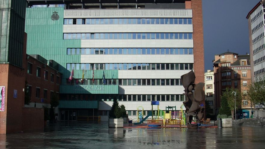 El Ayuntamiento de Barakaldo insta a buscar inversores para La Naval a los Gobiernos central y vasco y a Diputación