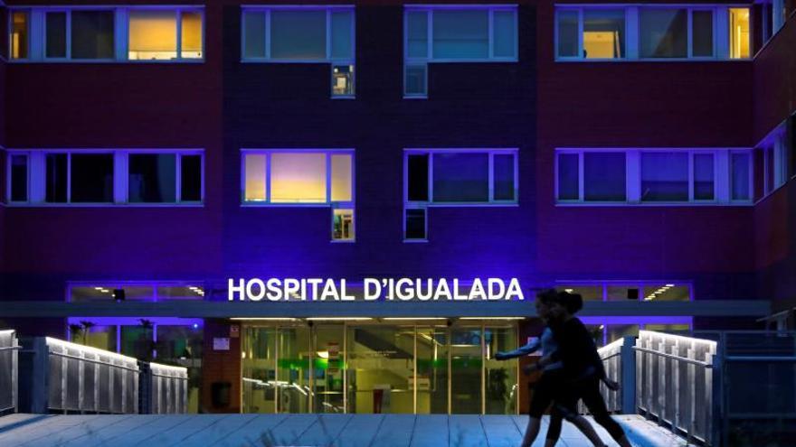 ¿Puede un hospital informar sobre el ingreso de un paciente o su estado?