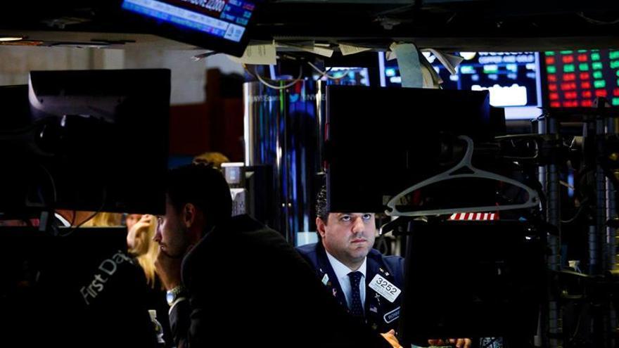 Wall Street abre a la baja y el Dow Jones cede un 0,32 %