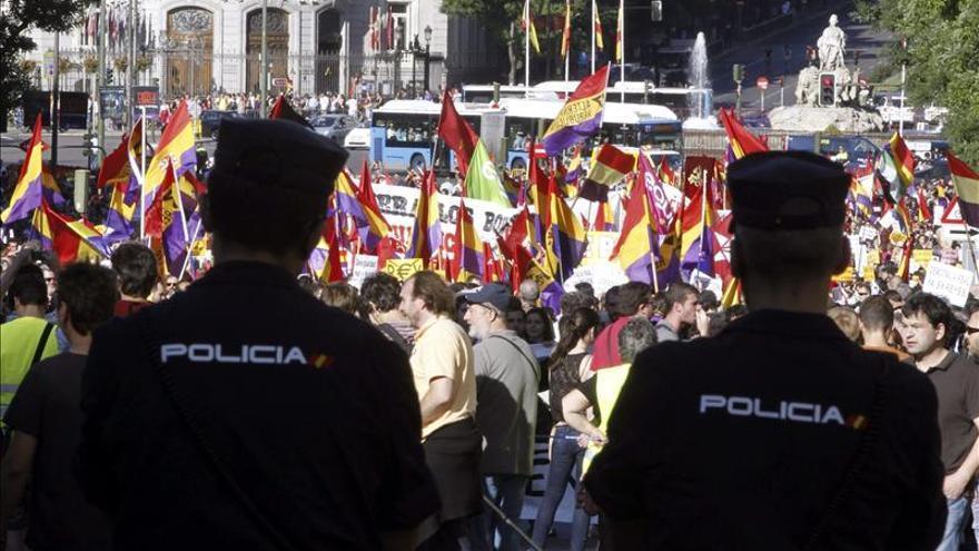 Una marcha pide en el centro de Madrid un referéndum sobre la monarquía