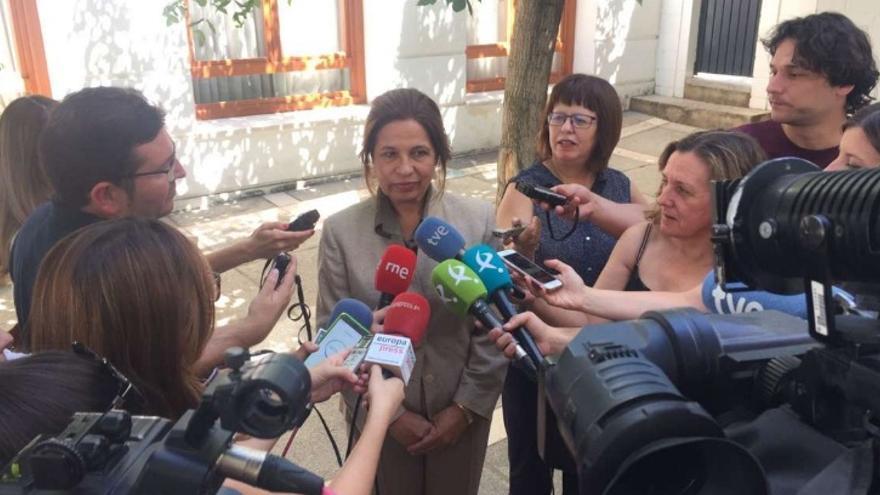 La consejera de Hacienda y Administración Pública de Extremadura, Pilar Blanco-Morales, tras la reunión