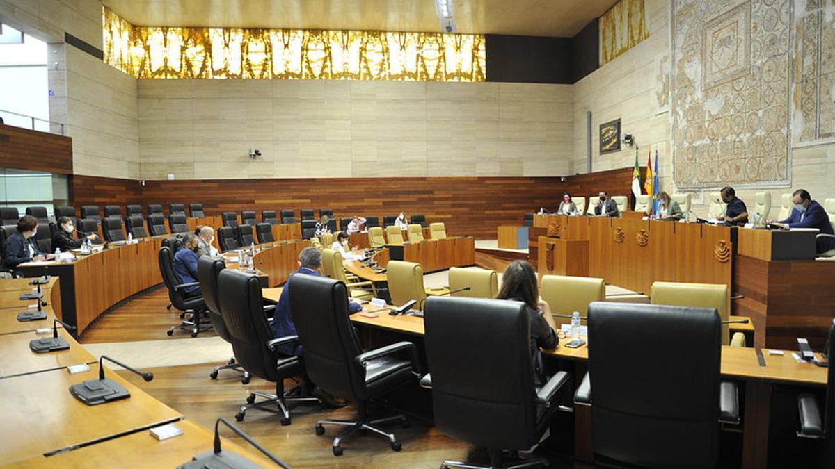Reunión de la Junta de Portavoces este martes en la Asamblea de Extremadura