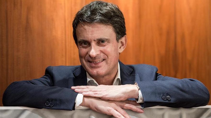"""Valls se ofrece como """"cambio"""" frente a """"alianza"""" entre Colau y el soberanismo"""