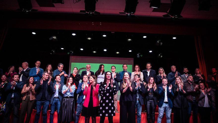 """Arrimadas afirma que su equipo para liderar Ciudadanos es el que """"une, ilusiona"""" y tiene experiencia de gobierno"""