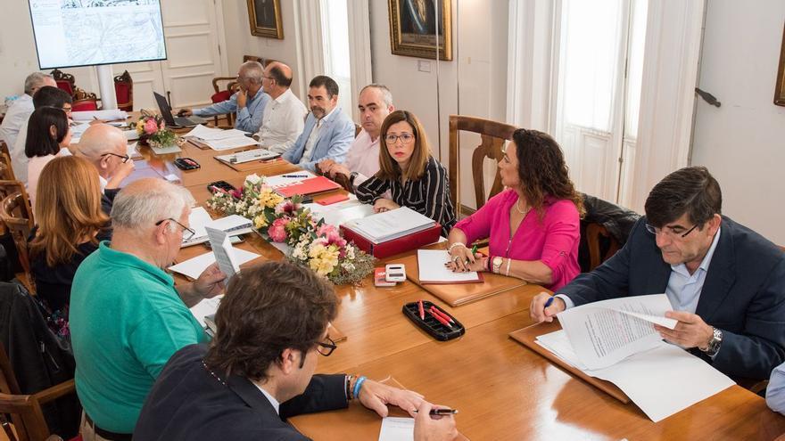 La alcaldesa de Cartagena pedirá a Pedro Sánchez su intervención en la llegada del AVE al municipio