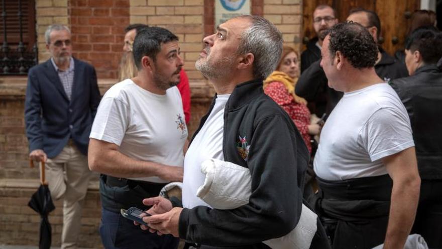 La lluvia impide la salida de cuatro procesiones en Sevilla