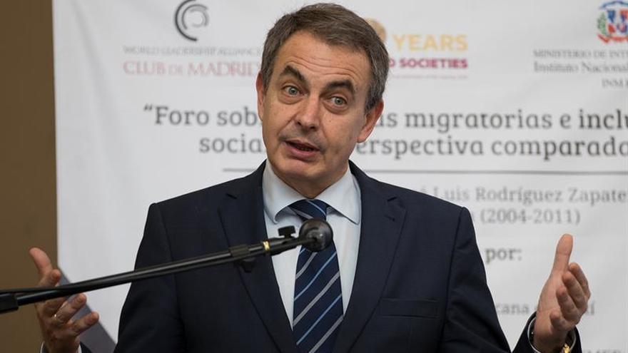 """Zapatero pide al Gobierno venezolano """"nuevos gestos"""" para retomar la negociación"""
