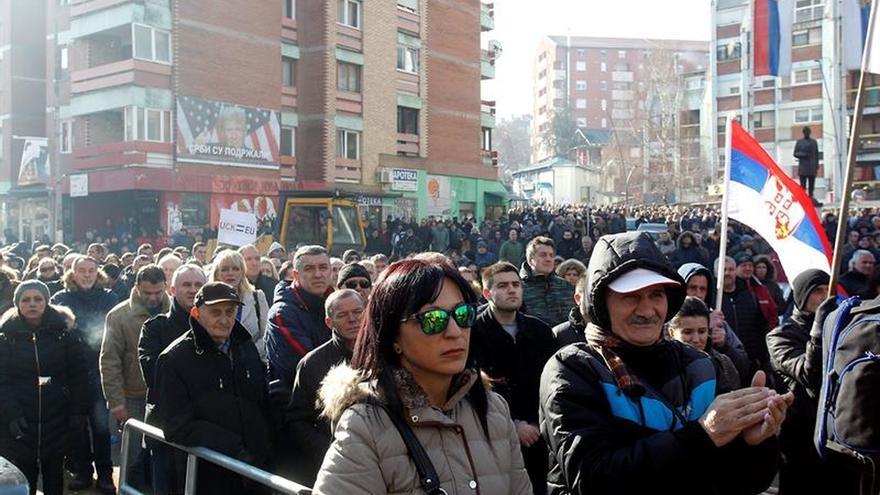 Tensión entre Serbia y Kosovo por un tren serbio enviado a Mitrovica