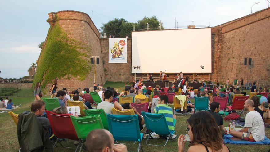 """""""Cine a la fresca"""" en el Castillo de Montjuic en Barcelona"""