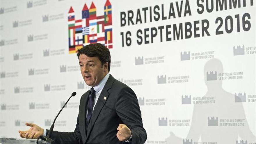 Renzi, descontento con socios por poco avance en migración y por fiscalidad