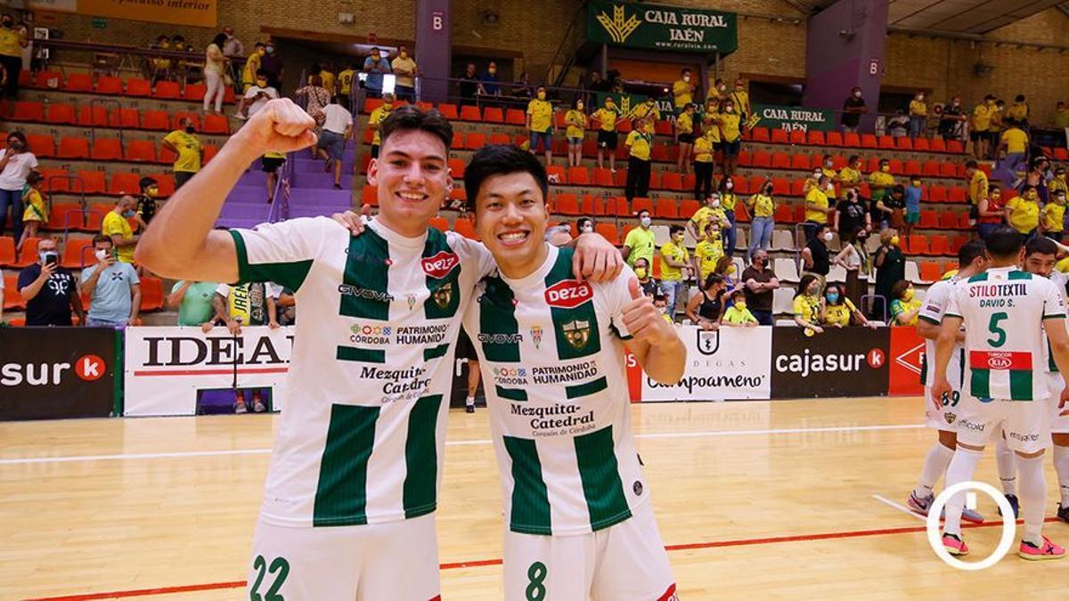 Ricardo celebra con Shimizu la permanencia en Jaén