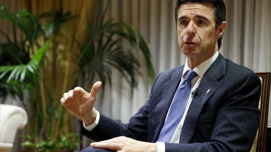 Soria mantiene que la subasta de renovables se celebrará las próximas semanas