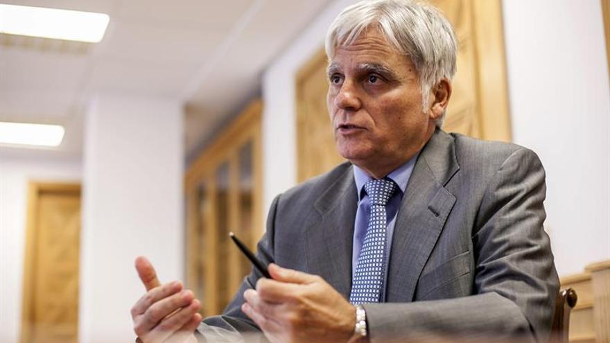 El secretario general de los socialistas canarios, José Miguel Pérez.  EFE/Ángel Medina G.