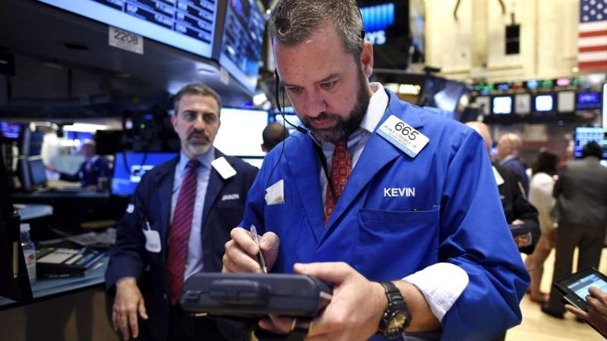 "Wall Street va a rojo después de que Trump pida buscar ""alternativas"" a China"