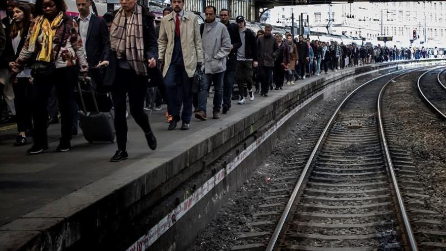 La huelga de trenes en Francia afectará mañana al tráfico internacional